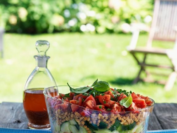 Gemüsesalat mit Linsen
