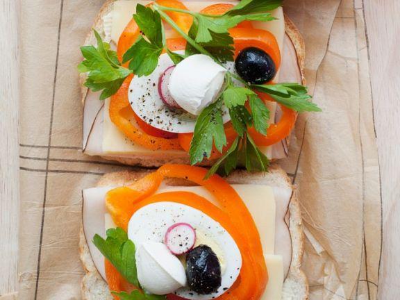 Gemüsesandwich mit Mozzarella