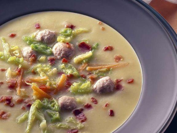Gemüsesuppe mit Brätklößchen