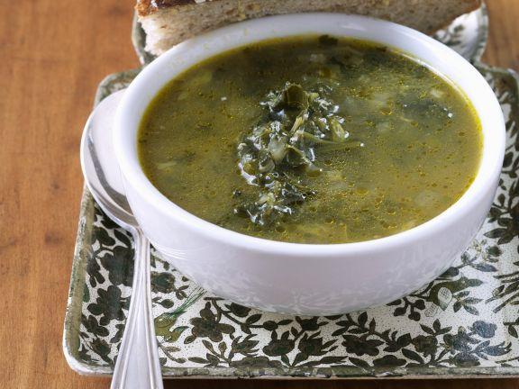 Gemüsesuppe mit Grünkohl