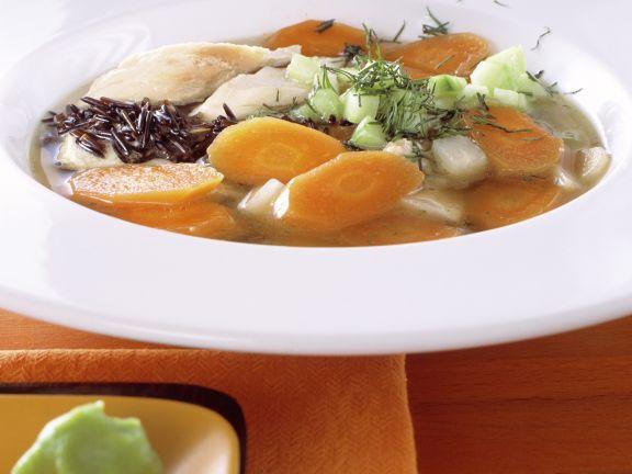 Gemüsesuppe mit Hähnchen und Wildreis