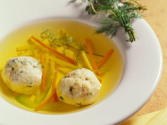 Gemüsesuppe mit Klößchen