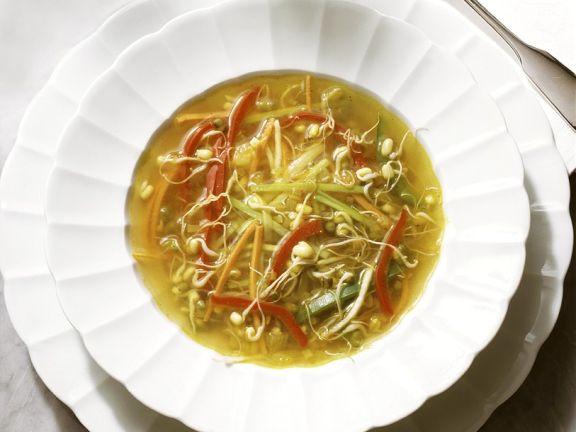 Gemüsesuppe mit Mungosprossen