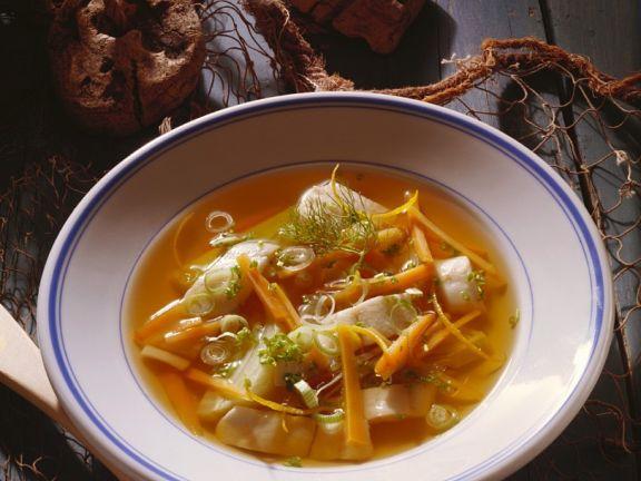 Gemüsesuppe mit Scholle