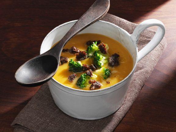 Gemüsesuppe mit Süßkartoffel