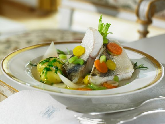 Gemüsesuppe mit Zander