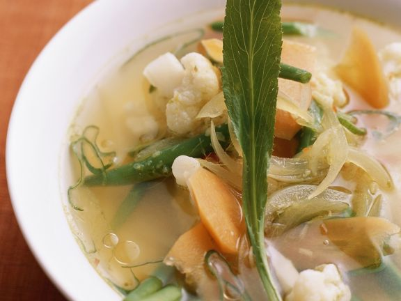 Gemüsesuppe nach vietnamesischer Art
