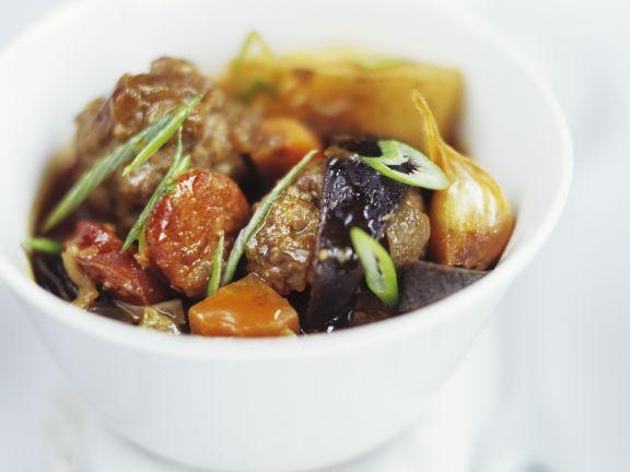 Gemüsetopf mit Chorizo und Fleischbällchen