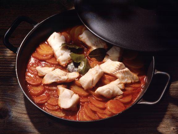 Geschmorte Kartoffeln mit Stockfisch