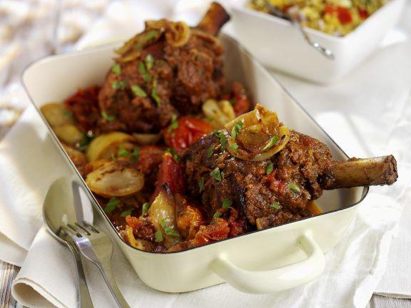 Geschmorte Lammhaxe mit Gemüse