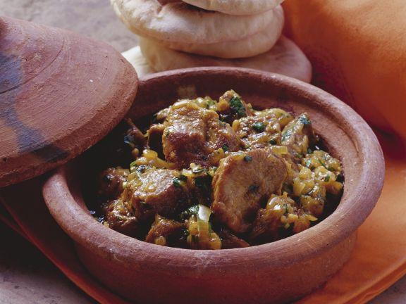 Geschmortes Lammfleisch auf marokkanische Art