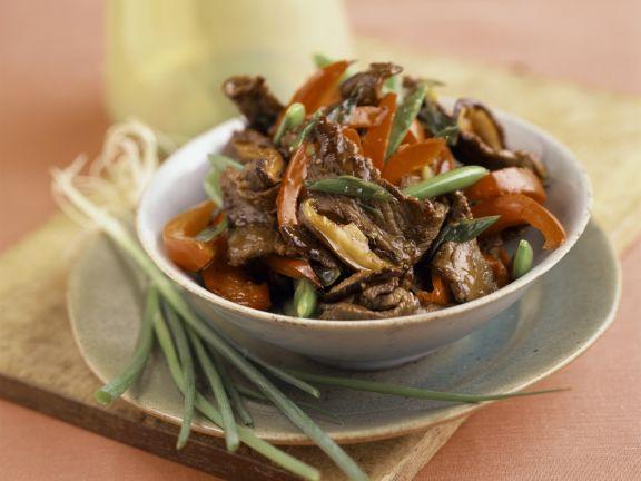 Geschnetzeltes vom Rind mit Paprika und Lauchzwiebeln