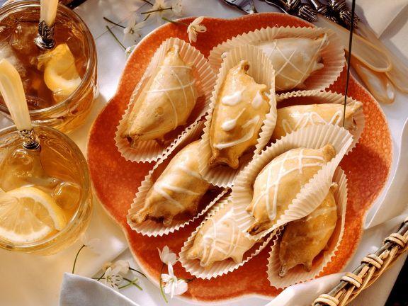 Glasierte Quarktäschchen