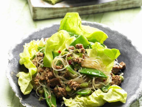 Glasnudel-Fleisch-Salat mit Zuckerschoten