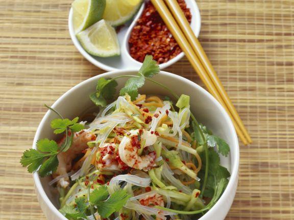 Glasnudelsalat mit Shrimps, Spitzkohl und Karotten