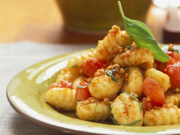 Gnocchi mit Chili-Mandel-Bröseln