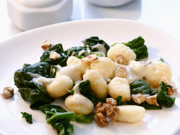 Gnocchi mit Spinat und Walnüssen