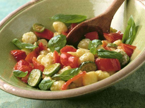 Gnocchi-Salat mit Gemüse (Insalata gnocchi con verdura)