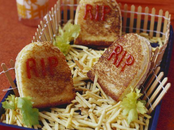Grabstein-Sandwichs zu Halloween