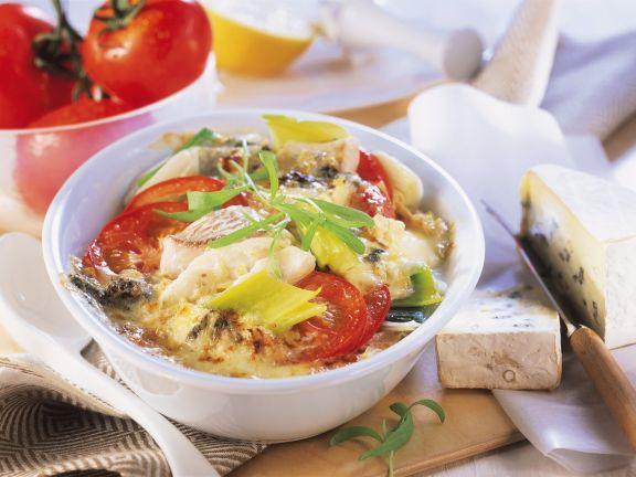 Gratin mit Zander, Porree und Tomaten