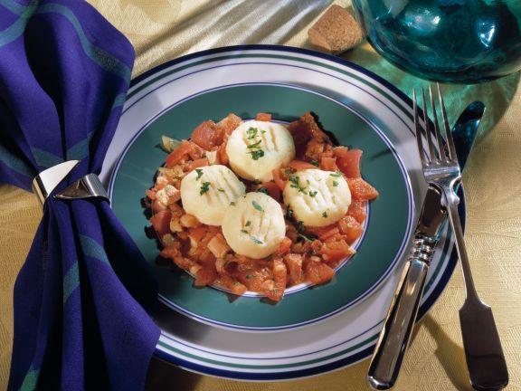 Grieß-Gnocchi mit Tomaten