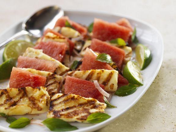 Grillkäse (Halloumi) mit Wassermelone