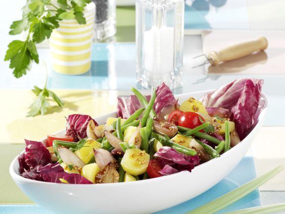 Grüner Bohnensalat mit Kartoffeln und Balsamico-Schalotten