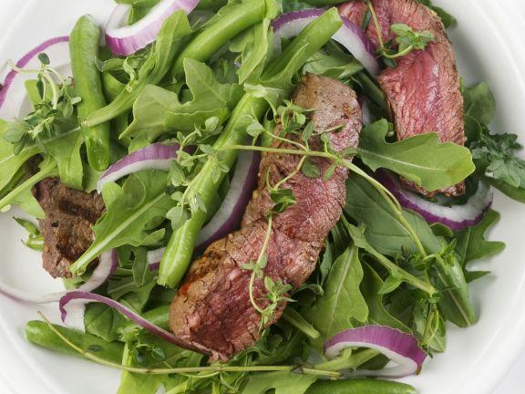 Grüner Bohnensalat mit Rucola und Steak