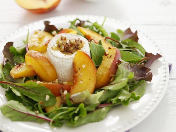 gr ner salat mit pfirsich ziegenk se und walnussvinaigrette rezept eat smarter. Black Bedroom Furniture Sets. Home Design Ideas