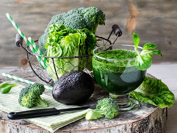 Grüne Smoothies besser langsam trinken