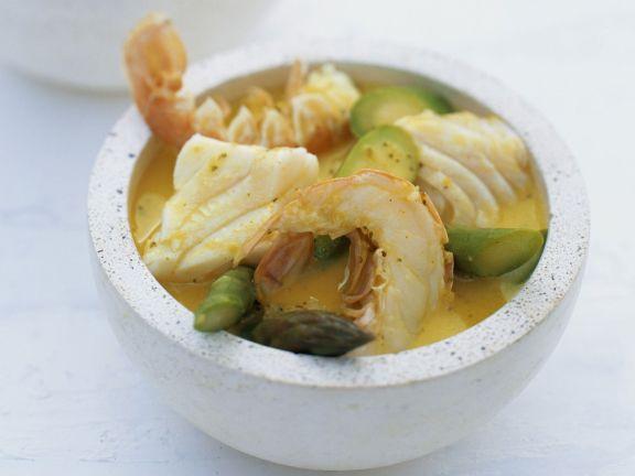 Grünes Curry mit Kokos, Kaiserhummer, Kabeljau und Spargel