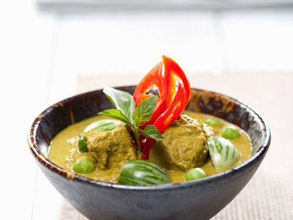 Grünes Geflügelcurry mit Thai-Auberginen