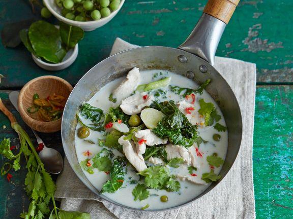 Grünes Thai-Curry mit Hähnchenbrustfilet