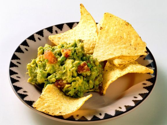 Guacamole mit Chips