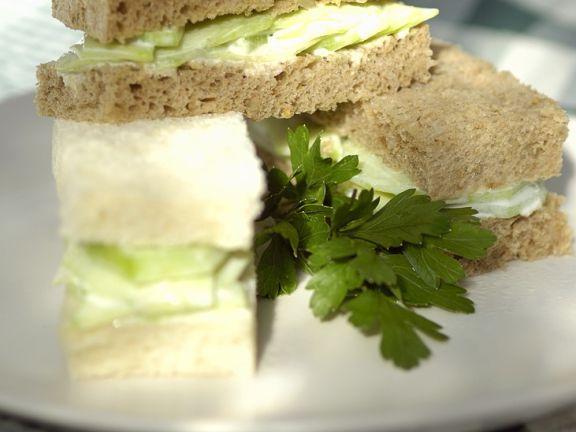 Gurken-Frischkäse-Sandwiches