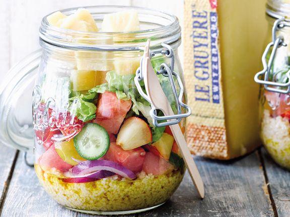 Gurkensalat mit Wassermelone, Nektarine und Le Gruyère AOP