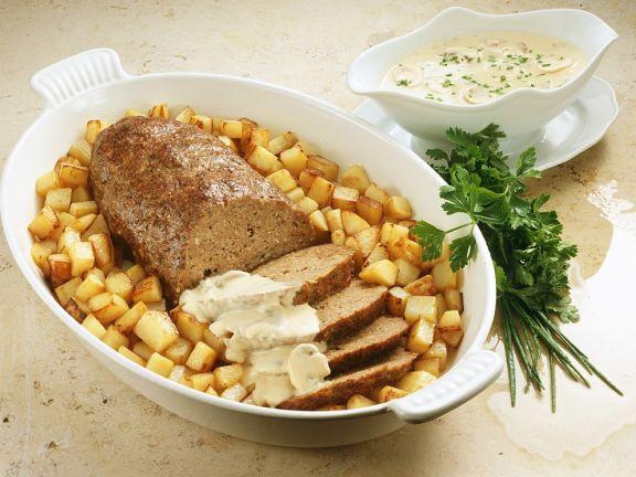 Hackbraten mit Kartoffeln und Champignonsauce