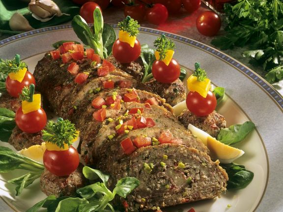 Hackbraten mit Salat