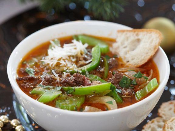 Hackfleisch-Gemüse-Suppe