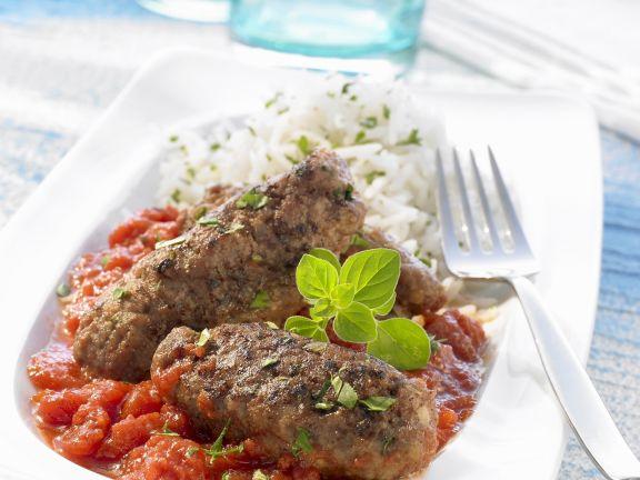 Hackfleischklößchen mit Tomatensoße auf griechische Art