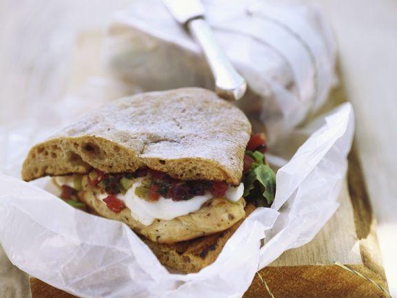 Hähnchen-Gemüse-Sandwiches