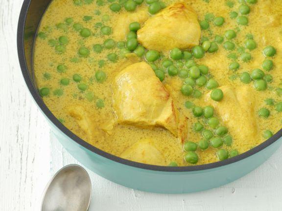Hähnchen in Curry-Erbsen-Soße