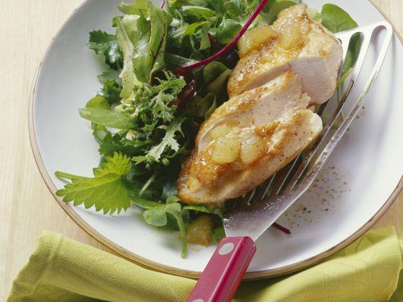 Hähnchen in Zitrone mit Salat aus Wildkräutern