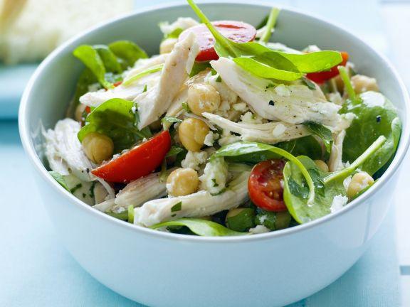 Hähnchen-Kichererbsen-Salat mit jungen Spinat