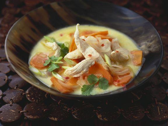 Hähnchen-Kokossuppe aus dem Wok