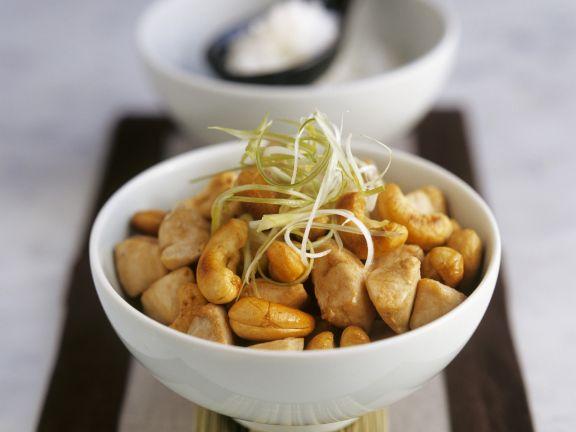 Hähnchen mit Cashewkernen aus dem Wok