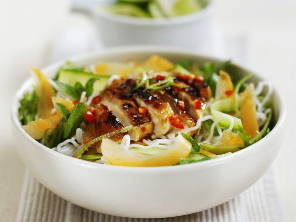 Hähnchen mit Limone und Minze dazu Reisnudeln