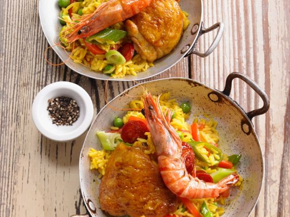 Hähnchen-Paella mit Garnelen