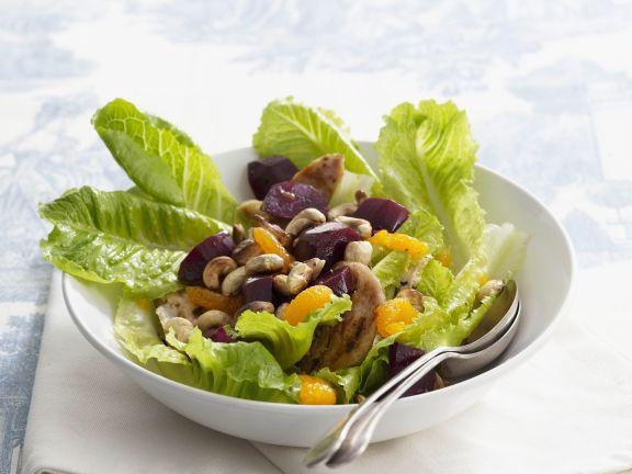Hähnchen-Salat mit Mandarinen und Cashewkernen