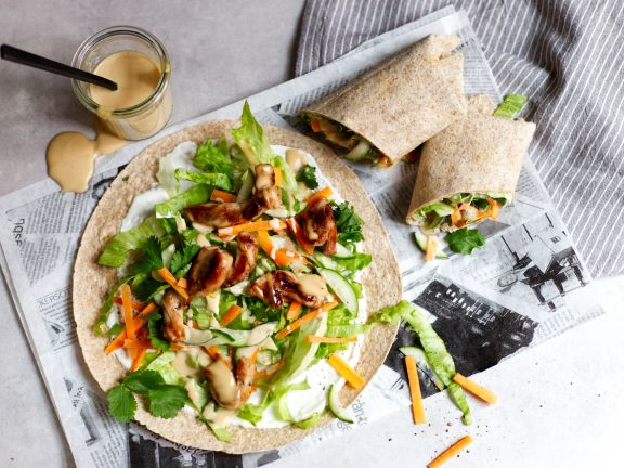 Hähnchen-Wrap mit Erdnuss-Kokos-Sauce